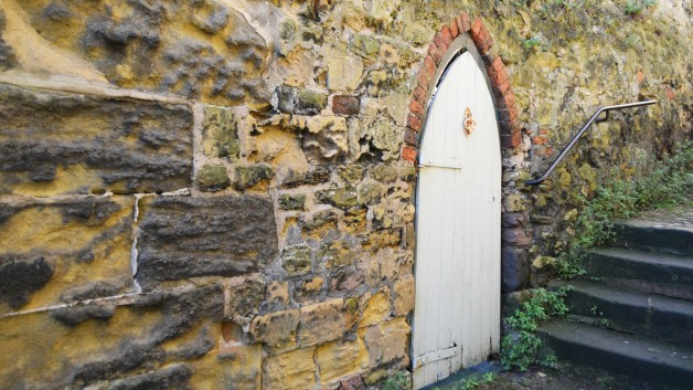 door_and_stone_wall_200870-628x353